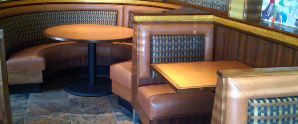 Restaurants Italian Near Me: Circular Seating