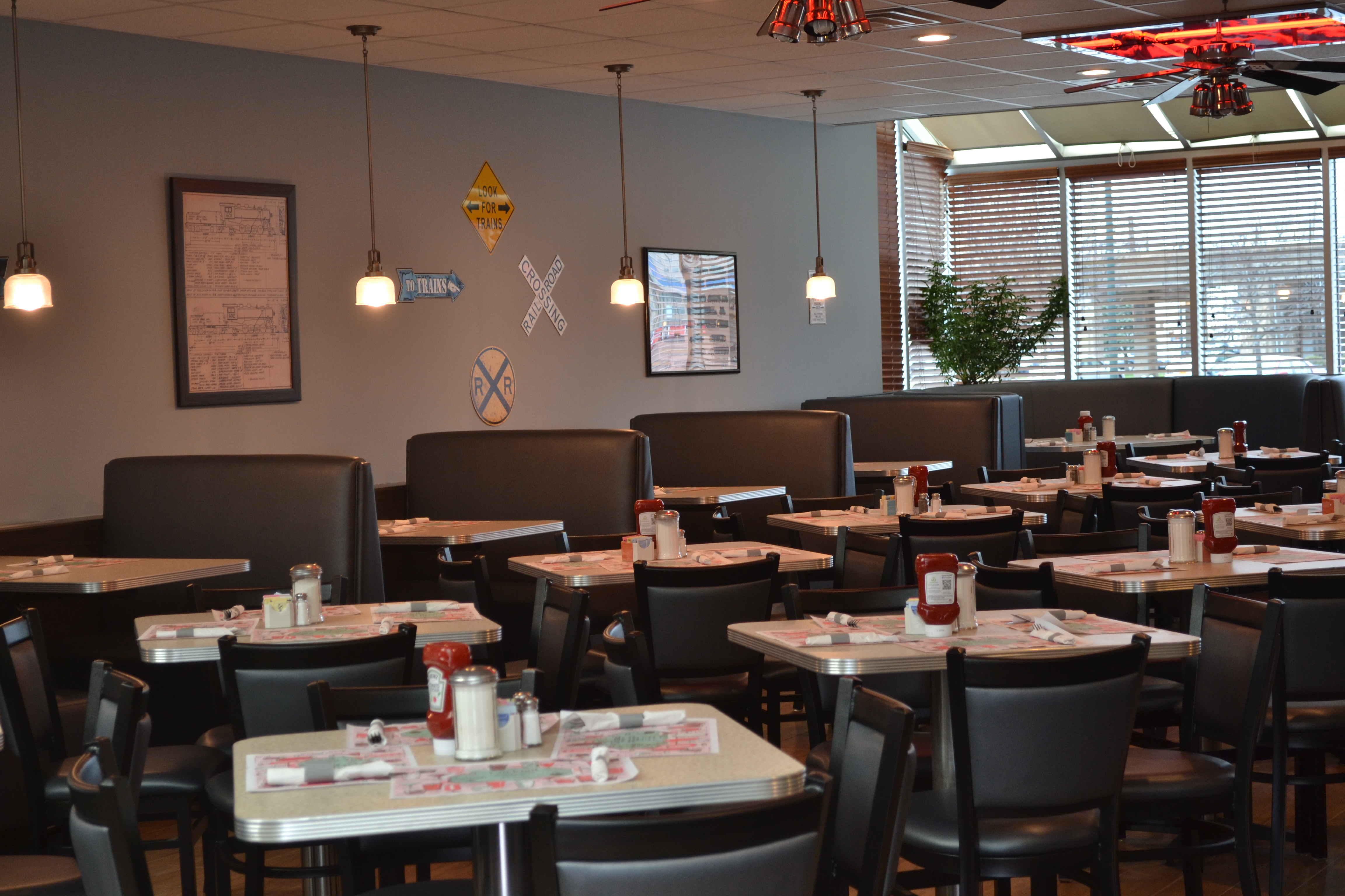 Restaurants Italian Near Me: Lynbrook Diner - Lynbrook, NY